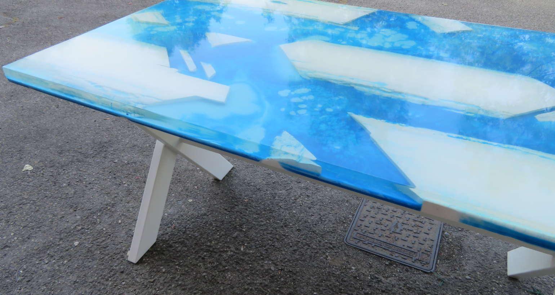 Tavolo in resina epossidica a colata